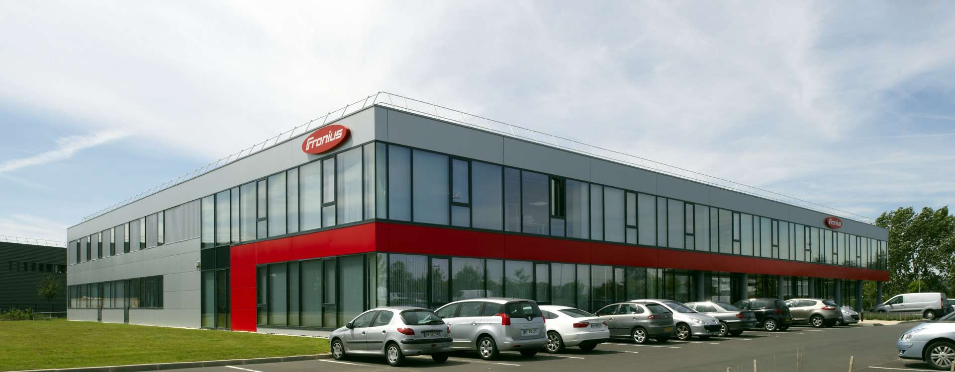 Fronius in Roissy, innovative industrial real estate