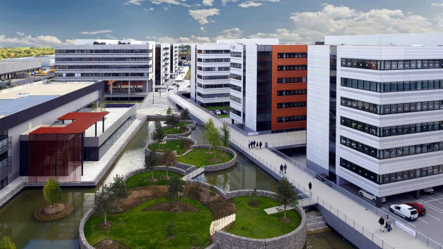 The Thales Cristal Campus: 87,500 m² in Gennevilliers
