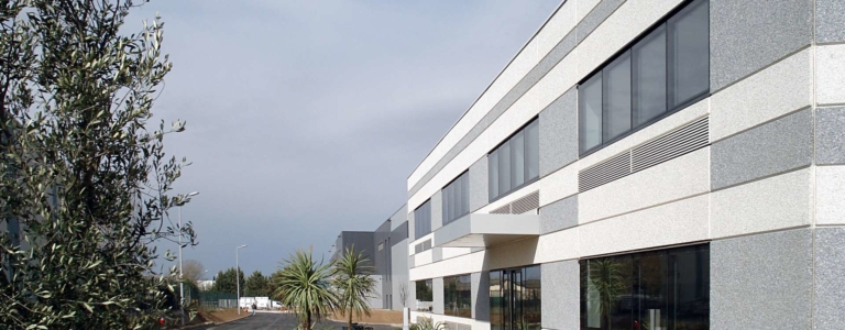 Plateforme de distribution logistique Paredes par GA Smart Building