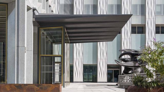À la Défense, rénovation de la Tour Europe avec l'architecte Rudy Ricciotti