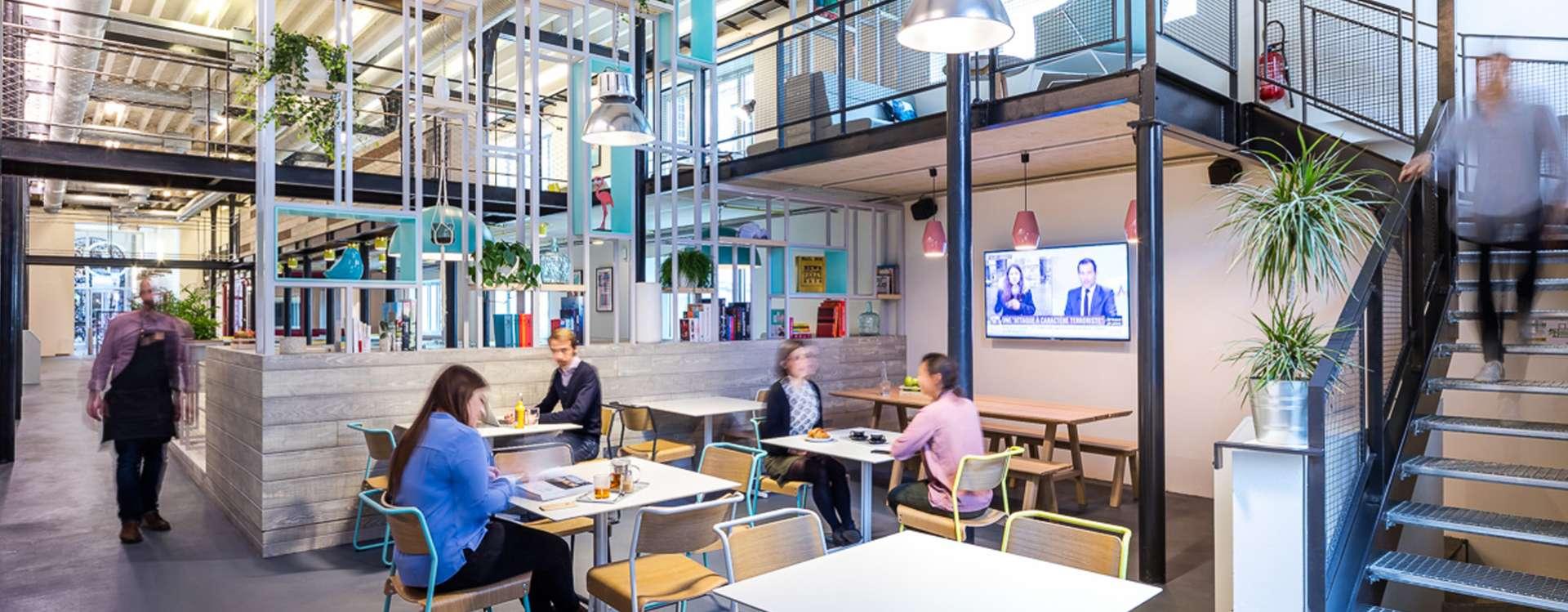 Espaces de coworking : bien plus que des bureaux partagés