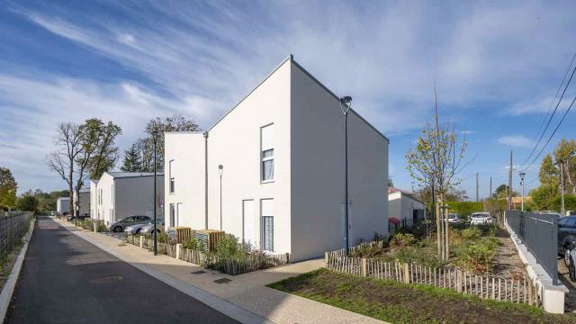 33 houses in Perray-en-Yvelines
