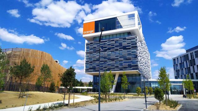 Le Campus Orange à Balma, qui vient réconcilier le site d'une ancienne plateforme logistique avec la nature, est livré !